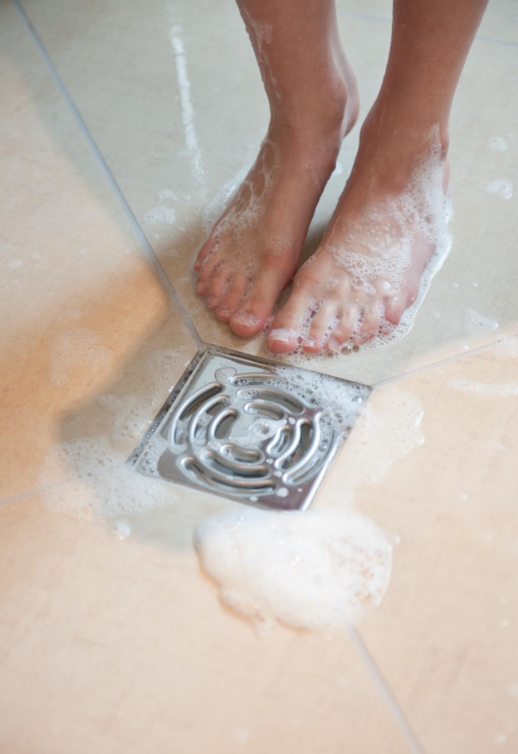 gewusst wie duschablauf f r bodengleiche duschen. Black Bedroom Furniture Sets. Home Design Ideas
