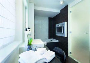Ein modernes digitalisiertes Badezimmer (SHK-Handwerk)